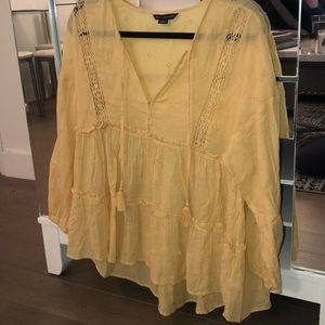 AMERICAN EAGLE YELLOW BLOUSE